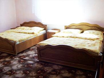 Camera de 4 locuri cu cazare valea ariesului la vila vank